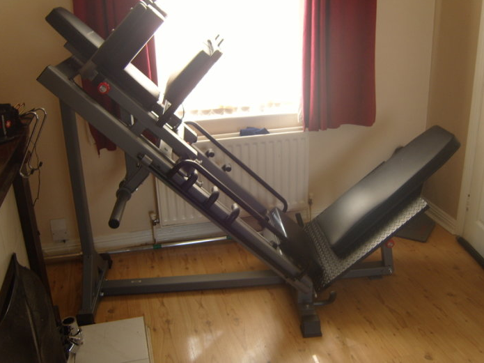 The BodyCraft F660 Linear Bearing Hip Sled Is a Top Notch Quality, Highly Rated, Affordable Hack squat machine