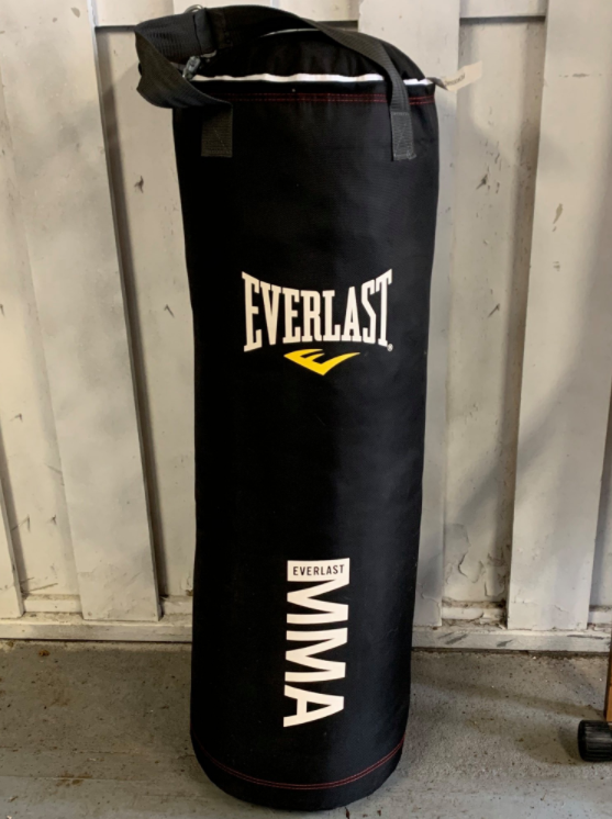 Everlast 70-Pound MMA Poly Canvas Heavy Bag Is the best canvas bag for lightweight fighters