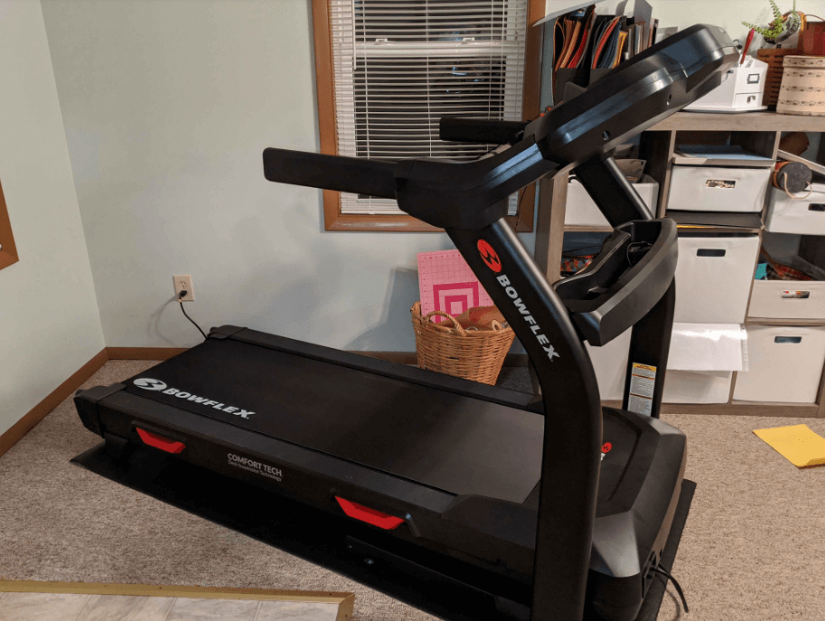 The Bowflex BXT6 differs from the Sole F63 in its Wonky Operational Design