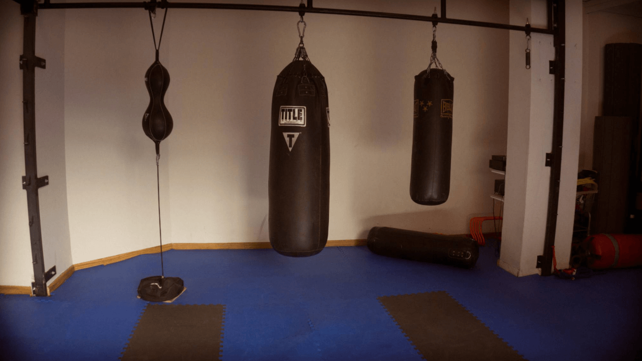 Bag Type is one of the factors that goes into your decision when picking a heavy bag