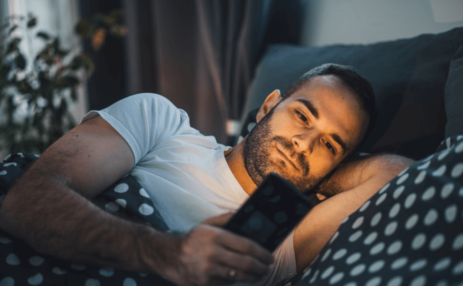 How Using A Phone Or Electronic Devices At Night