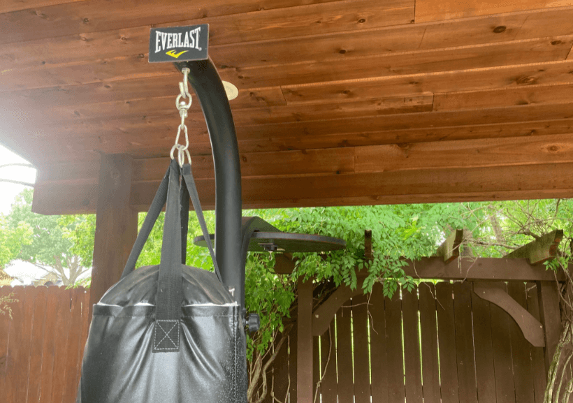 Everlast is a renowned brand in the boxing spheer, and this stand lives up to that hype