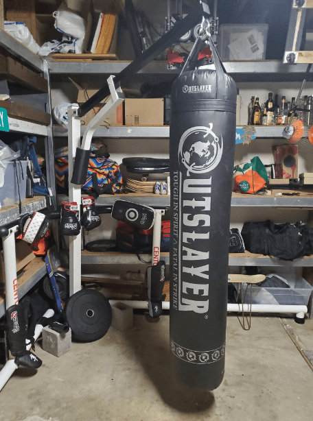 The Outslayer Heavy Bag Stand ha some cool specs