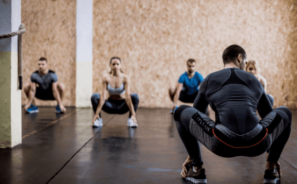 Your risk to get injured is higher when doing squats for 1000 reps